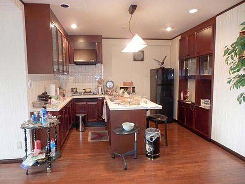 中古マンション-伊東市富戸 キッチン カウンター付でとても使いやすい設計です。