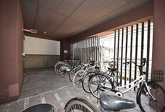 マンション(建物一部)-大阪市中央区瓦屋町3丁目 雨風で汚れない屋内駐輪場