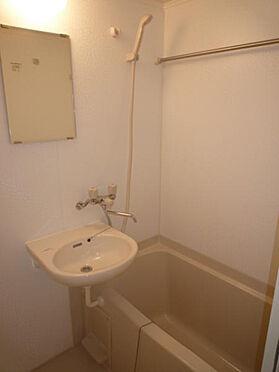 マンション(建物一部)-品川区荏原4丁目 浴室乾燥機付のバスルームです。