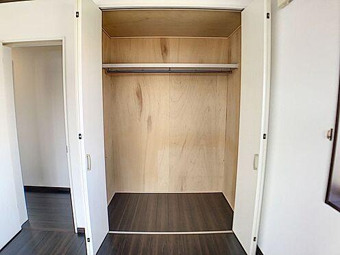 戸建賃貸-一宮市伝法寺3丁目 各洋室に収納スペースがあるのでお部屋が綺麗に片付きますね。