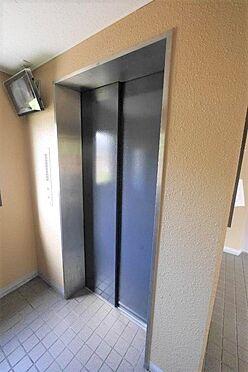 マンション(建物一部)-北九州市八幡西区陣原2丁目 エレベーターにカメラがあるので安心です。