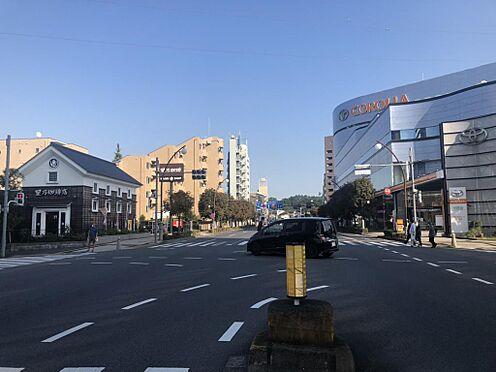 店舗事務所(建物一部)-多摩市関戸3丁目 当物件から、駅までの道は平坦な大通りです!