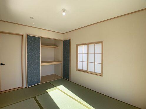 新築一戸建て-豊田市今町6丁目 リビングにつながっているので、襖を開け放てばより広々とお使いいただけます。