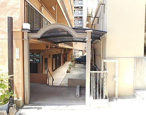 マンション(建物一部)-神戸市東灘区甲南町4丁目 見通しが良く明るい印象の共用部