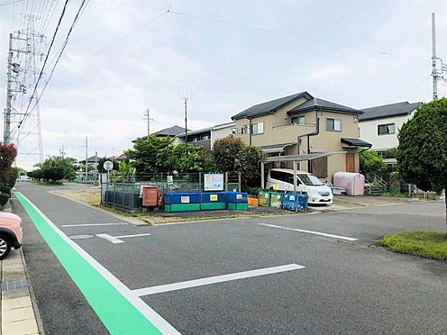 土地-日進市藤島町長塚 徒歩約8分のところにバス停があります。小学校までは徒歩20分圏内です。