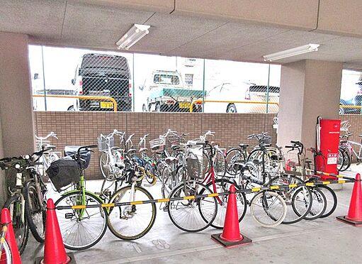 マンション(建物一部)-大阪市西区川口1丁目 バイク置き場や駐輪場も確保