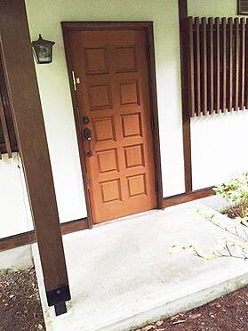 中古一戸建て-北佐久郡軽井沢町大字長倉 この扉を開けた先に180度緑に囲まれたロケーションが待ってます。