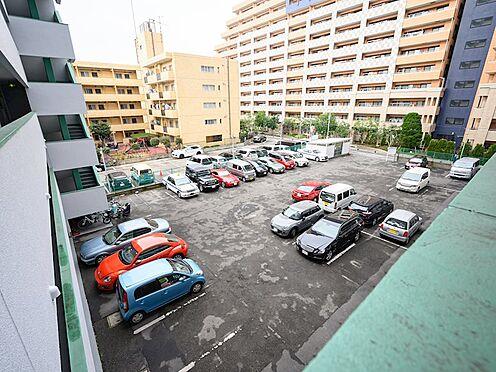中古マンション-品川区東大井1丁目 敷地内に駐車場ございます。駐車スペースもゆったりしておりますので駐車しやすいです。