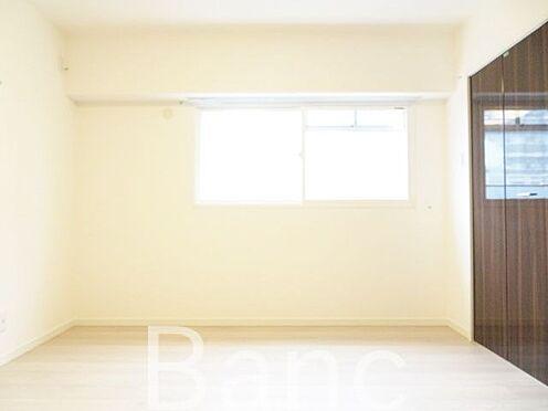 中古マンション-中野区新井1丁目 明るい日差しが差し込むお部屋です