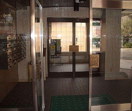 区分マンション-大阪市天王寺区石ケ辻町 管理の行き届いたエントランス