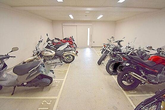 マンション(建物一部)-大阪市淀川区十三東1丁目 屋内にバイク置き場あり