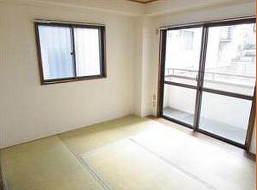 マンション(建物全部)-八王子市松木 風通しのいい和室です