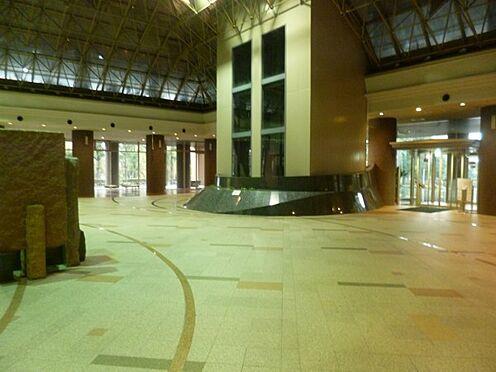 マンション(建物一部)-川口市元郷2丁目 エントランス内にはフロントサービスが設けております