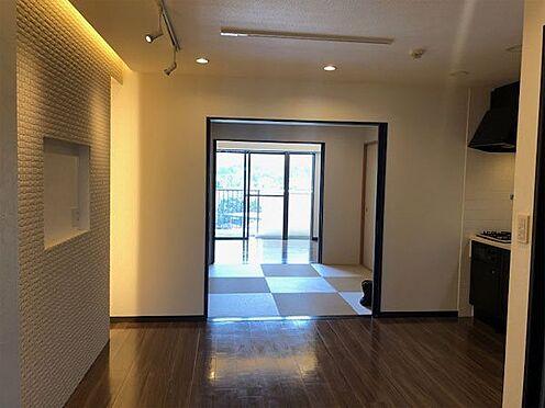 中古マンション-伊東市荻 【ダイニング】部屋の段差あはありません。
