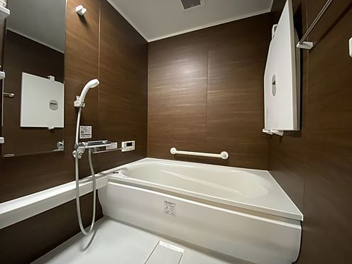 中古マンション-名古屋市名東区植園町1丁目 落ち着いた雰囲気の浴室。