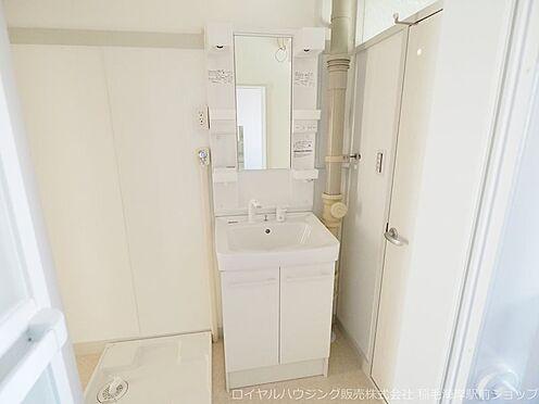 区分マンション-千葉市美浜区稲毛海岸3丁目 清潔感のある洗面化粧台!