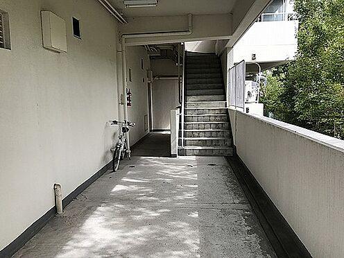 マンション(建物一部)-神戸市北区北五葉1丁目 落ち着いた印象の共用部