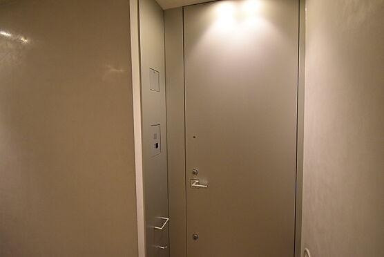 中古マンション-渋谷区神宮前2丁目 玄関ドア