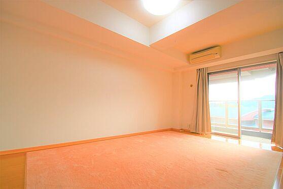 中古マンション-足柄下郡湯河原町宮上 洋室(2):洋室8.8帖 寝室にご利用いただきたい広さです。
