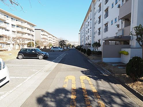 区分マンション-千葉市美浜区稲毛海岸3丁目 敷地内駐車場です!