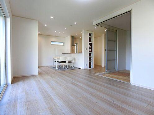 戸建賃貸-八王子市松木 リビングには床暖房が二面に配置
