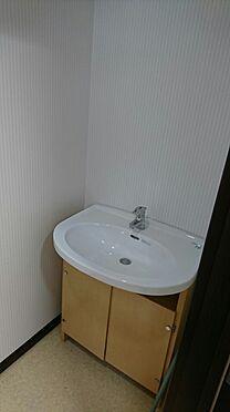 店舗・事務所・その他-平塚市諏訪町 1階防音室約15.7帖です。キッチン付、トイレ付です。トイレに洗面台もあります。