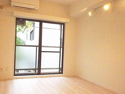 中古マンション-横浜市瀬谷区三ツ境 明るい内装の洋室約6.75帖