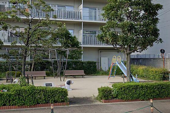 マンション(建物一部)-大阪市平野区加美北5丁目 敷地内に小さな公園あり