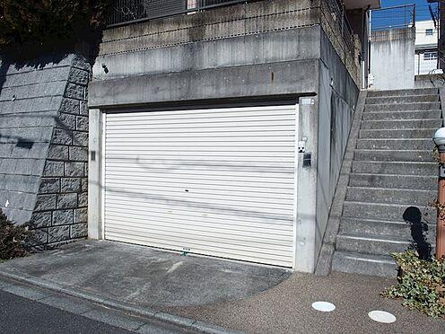 中古一戸建て-町田市小山町 シャッター付き地下車庫