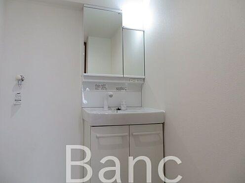 中古マンション-江東区新大橋1丁目 使い勝手の良い洗面台。