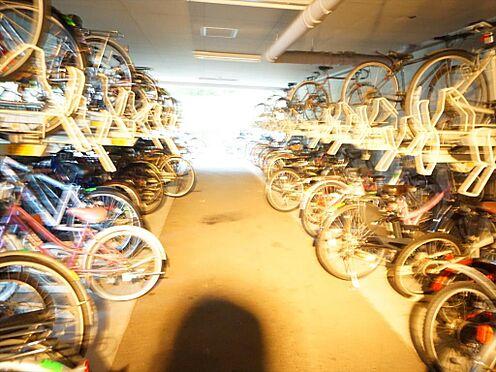 中古マンション-仙台市泉区七北田字八乙女 敷地内屋内駐輪場です。