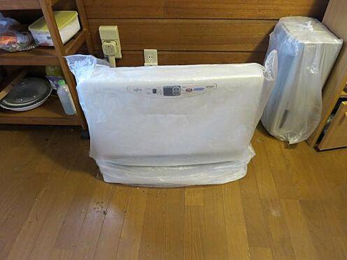 中古一戸建て-北佐久郡軽井沢町大字長倉 温水暖房器が各お部屋に付いています。