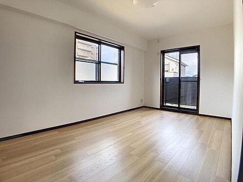 中古マンション-名古屋市名東区神丘町2丁目 7帖超えのゆとりある洋室。