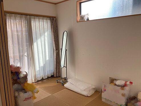 中古一戸建て-豊田市桝塚西町 リビングにはタタミスペースが隣接しており、お子様の遊ぶスペースとしても大活躍です!