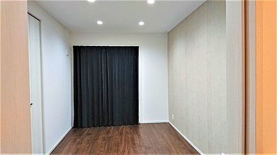 中古一戸建て-岡崎市鴨田町字広元 約7.5帖の東側洋室には 収納に便利な約3帖のWICがあります!
