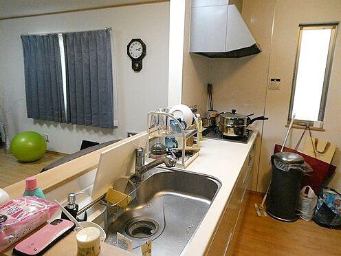 戸建賃貸-足立区大谷田1丁目 システムキッチン(3口ガスコンロ・レンジフード付き)