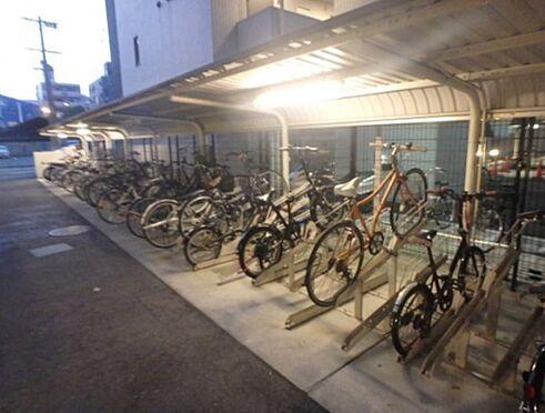 マンション(建物一部)-大阪市福島区大開2丁目 雨を凌ぐ屋根付き駐輪場