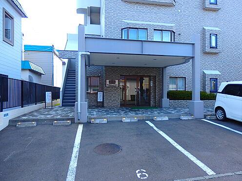 中古マンション-札幌市豊平区月寒東三条3丁目 北西から見たエントランス