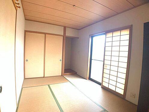 戸建賃貸-岡崎市天白町字吉原 リビングに隣接した和室です。来客時は広げて利用できるので、大変便利です☆
