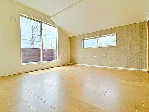 戸建賃貸-多摩市聖ヶ丘3丁目 8帖の洋室。主寝室に。