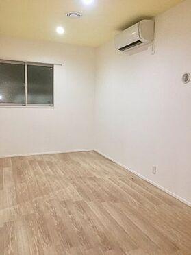 アパート-足立区関原2丁目 こちらの居間で趣味の時間をお楽しみください