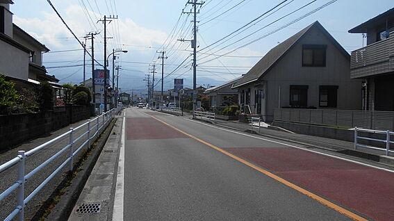 アパート-小田原市曽比 西側道路(約5m)