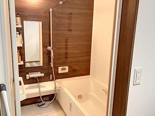 戸建賃貸-額田郡幸田町大字坂崎字石ノ塔 綺麗で落ち着いた浴室で、一日の疲れを癒してみませんか?