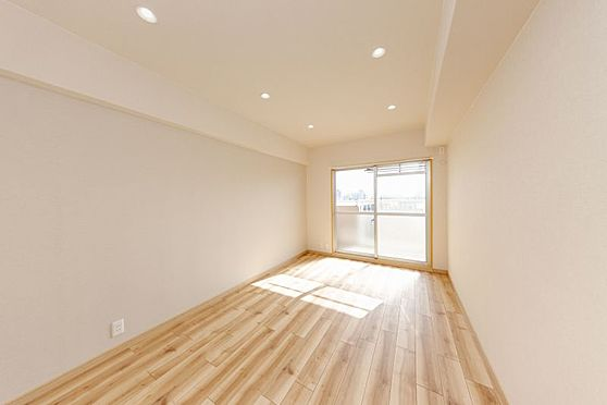 区分マンション-名古屋市南区東又兵ヱ町3丁目 どんな家具でも似合いそうなお部屋ですね♪
