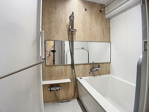 中古マンション-名古屋市千種区向陽1丁目 ゆとりある浴室で一日の疲れを癒せます。