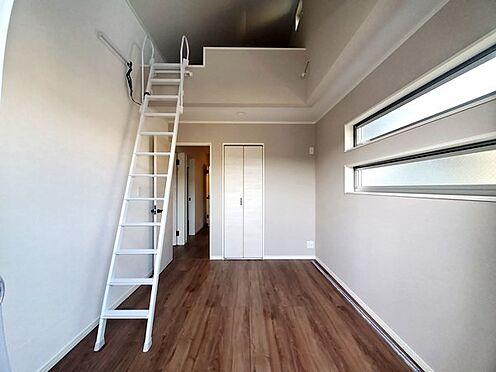 新築一戸建て-町田市金井7丁目 ロフト×勾配天井で開放感たっぷりの居室です!
