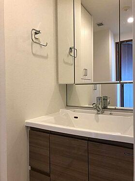中古マンション-江戸川区北小岩6丁目 三面鏡裏収納付き洗面化粧台