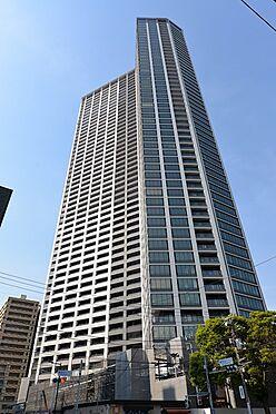 中古マンション-中央区勝どき5丁目 トライスター型、世界初VDコアフレーム構法で耐震性に優れるRC53階建のタワーレジデンスです。