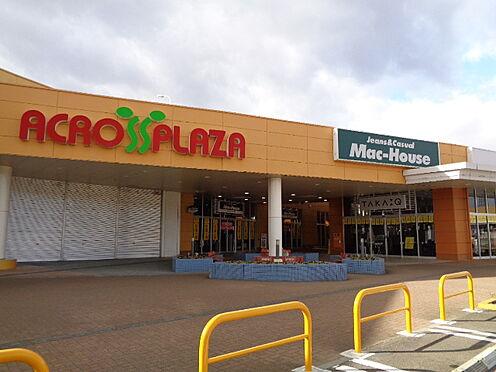 中古マンション-仙台市泉区本田町 ヨークタウン徒歩9分(約700m)内にあるACROSSPLAZAでショッピングが楽しめます。