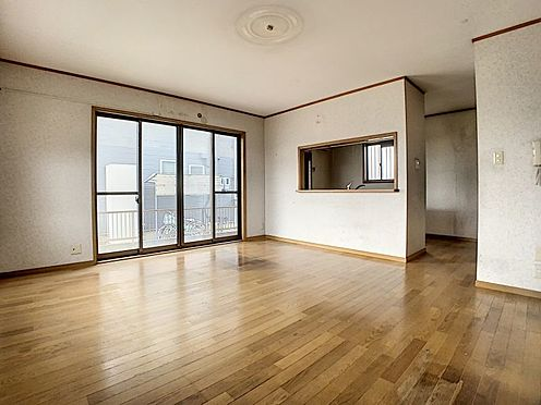 中古一戸建て-豊田市前林町桜田 キッチンからはLDKが見渡せます。子供の様子もばっちり確認できます。